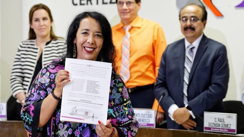 Entregan constancia a Araceli Brown como alcaldesa electa de Rosarito(José María Cárdenas)