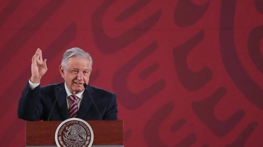 Una votación a mano alzada en uno de sus eventos oficiales bastó para que el presidente Andrés Manuel López Obrador decidiera poner fin a la construcción del Metrobús.