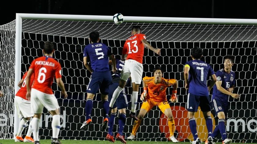 El bicampeón vigente Chile dio una exhibición de pegada al iniciar la defensa de sus títulos en la Copa América(AP)