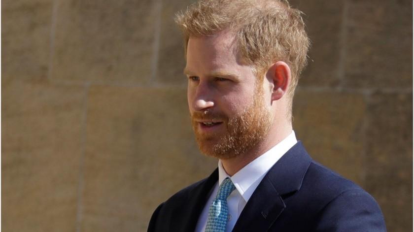 En esta foto del 21 de abril del 2019, el príncipe Enrique de Inglaterra llega al servicio de Pascua en la Capilla de San Jorge, en el Castillo de Windsor, en Inglaterra.(AP)