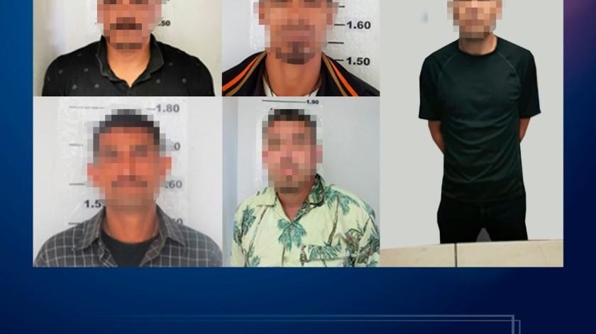 La primera detención se efectuó cuando los elementos realizaban un recorrido de vigilancia sobre la calle Los Pinos(Cortesía)