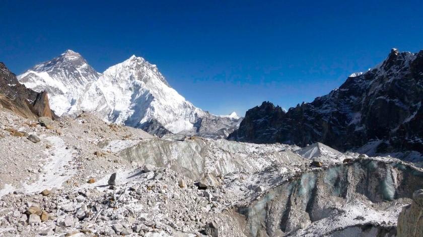 Imágenes de satélites espía de la época de la Guerra Fría han mostrado a los científicos que los glaciares de la Cordillera del Himalaya ahora se derriten al doble del ritmo de antes.(AP)