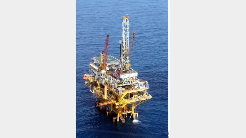 El Gobierno de Enrique Peña Nieto firmó 103 contratos con empresas petroleras.(Agencia Reforma)