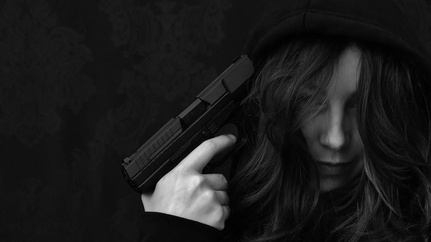 Una pareja en la India publicó fotografías donde se les observa apuntándose en la cabeza con una pistola momentos antes de quitarse la vida.(Ilustrativa/Pixabay)