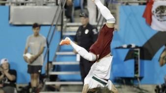 Uriel Antuna celebra tras marcar el primer gol del encuentro.