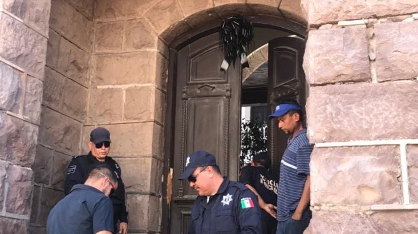 Rindieron homenaje al contralor municipal, Daniel Morales Pardini y al auditor Enrique Galarza Gastélum.