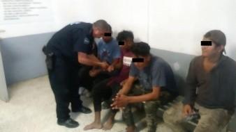 Los 6 migrantes centroamericanos arrojaban piedras desde México hacia Estados Unidos.