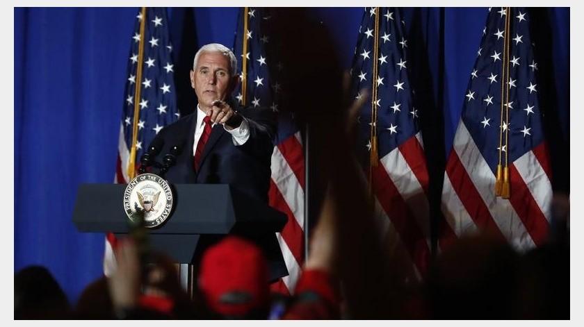 Un día antes, un grupo de demócratas realizó un panel para criticar los esfuerzos de los republicanos en acercarse a los latinos.(AP)