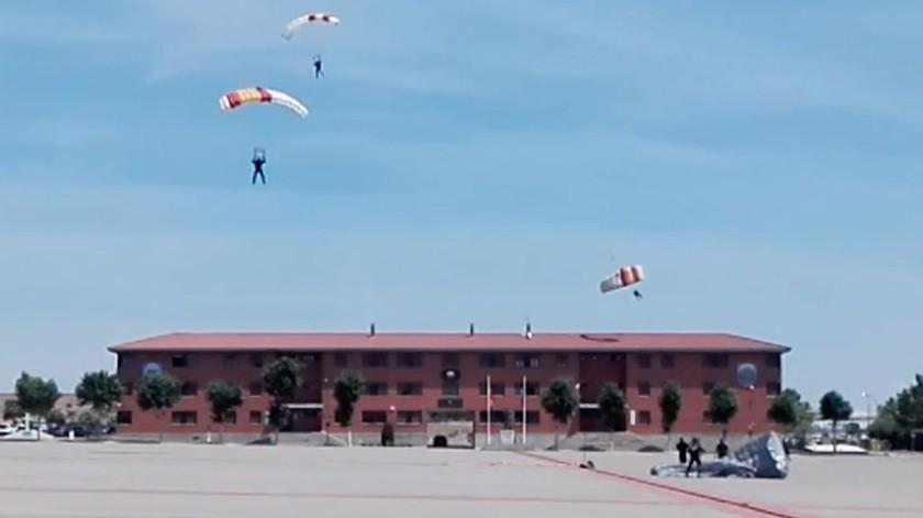 VIDEO: Paracaidista se impacta contra techo(Captura de video)