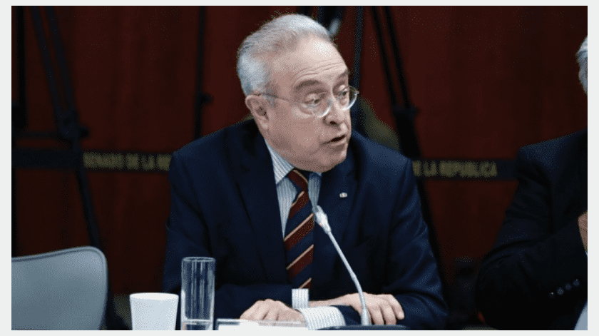 El presidente de la Comisión de Relaciones Exteriores en el Senado, Héctor Vasconcelos.(Twitter@HVascolcelos_)