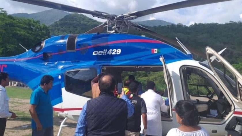 Muere uno por colapso de campanario en Hidalgo(Twitter/ @omarfayad)