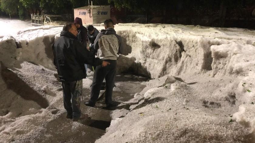 Una fuerte caída de granizo afectó este domingo a la Occidental ciudad mexicana de Guadalajara con acumulaciones de hasta metro y medio en algunas zonas y daños a cuando menos 249 viviendas.
