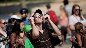 Los eclipses solares tienen efectos en el diversos aspectos naturales de la Tierra.