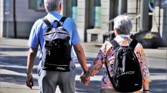 México, Polonia y España son, por este orden, los países de la OCDE donde más está previsto que baje el nivel de las pensiones en relación con los salarios entre las generaciones que se jubilan actualmente y las que entran ahora en el mercado laboral.