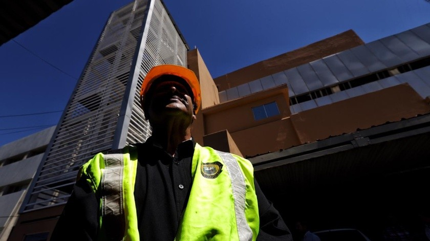 Desalojo de edificios en Centro Cívico tras sismo(José María Cárdenas)