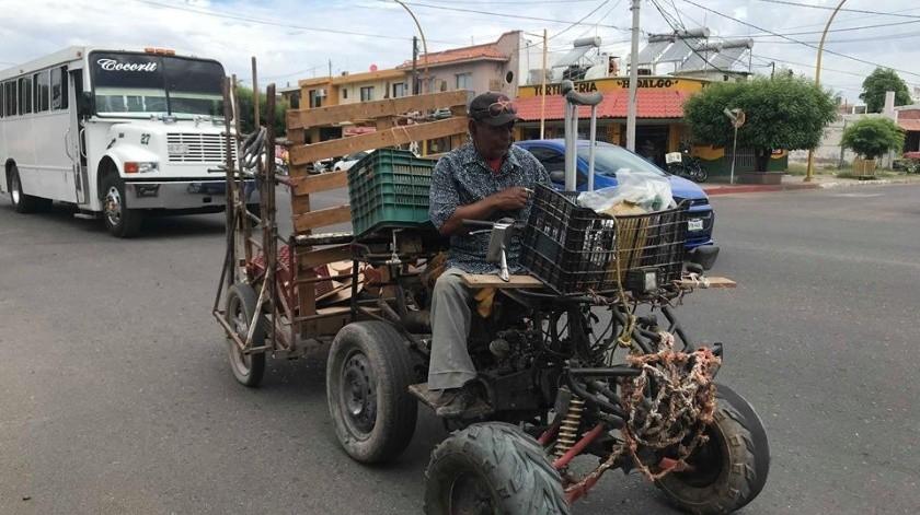 Don Gonzalo Mendoza Cervantes adaptó esta motocicleta para trabajar.(Mayra Echeverría)