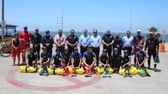 Personal de la direcciones de Seguridad Pública Municipal, Bomberos y Protección Civil, participó ayer en el arranquedel Operativo Vacacional Verano 2019, con el fin de vigilar las zonas costeras de Ensenadapara la seguridad de turistas y locales.