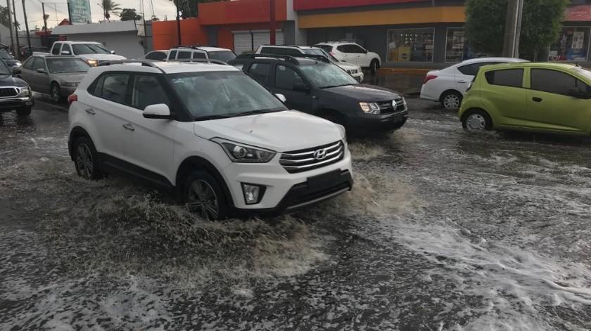 Cae primera lluvia de la temporada en Hermosillo(Teodoro Borbón)