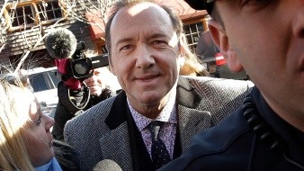 Kevin Spacey enfrenta en Estados Unidos una acusación penal por un caso de presunto manoseo, que él niega.
