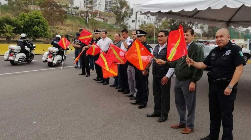 Autoridades dieron el banderazo de salida a las unidades.(José Ibarra)
