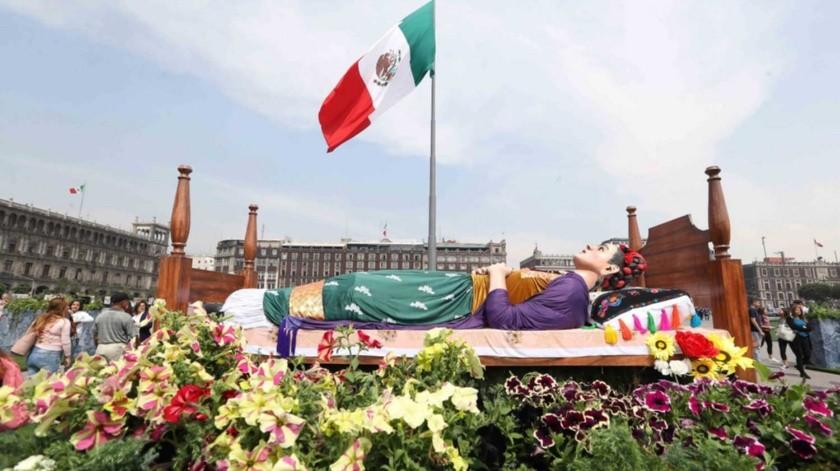 """""""Los Colores de Frida"""" se exhibe en el Zócalo capitalino.(El Universal)"""
