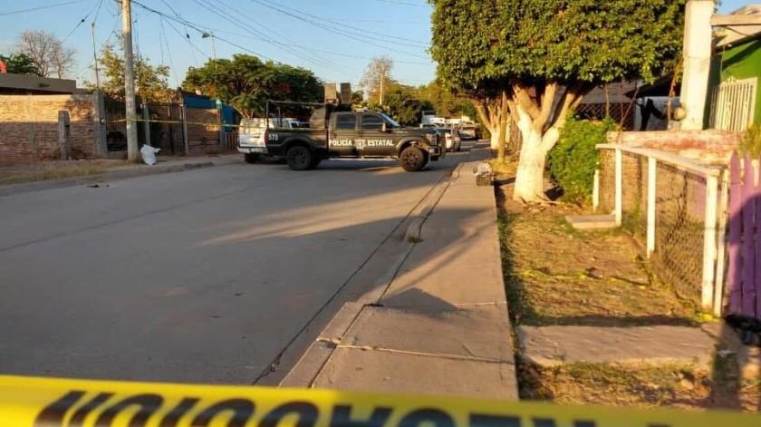 """Cabe mencionar que este mismo día pero unas horas antes en las mismas calles fue ultimado a tiros un joven de 21 años apodado """"El Yoreme""""."""