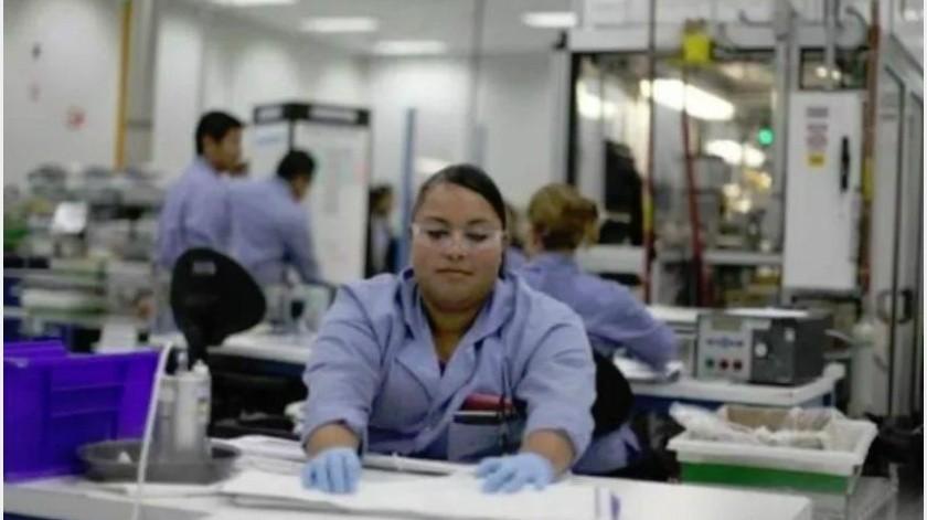Los perfiles que requieren para incorporarse al sector industrial son personas que quieran trabajar, ser parte de la productividad y progresar.
