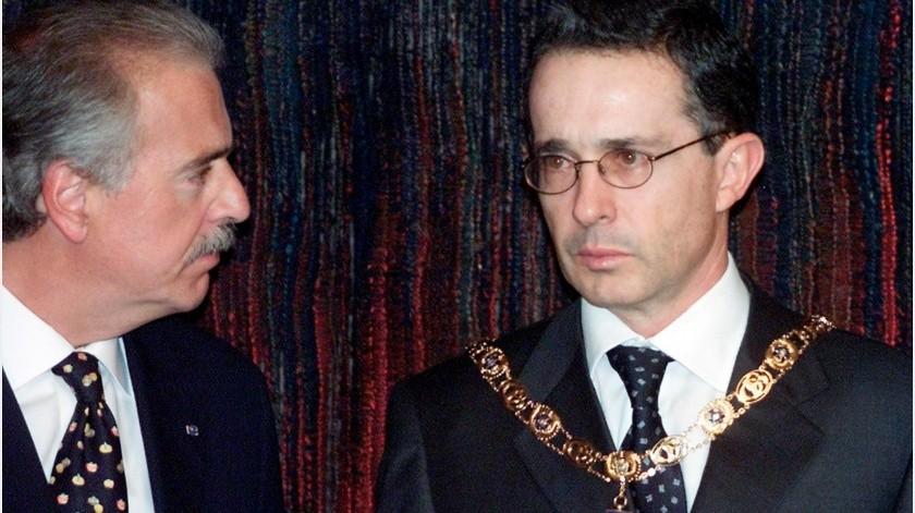 Los ex presidentes colombianos Álvaro Uribe y Andrés Pastrana fueron citados por la Comisión de Acusaciones de la Cámara de Representantes para declarar.(AP)