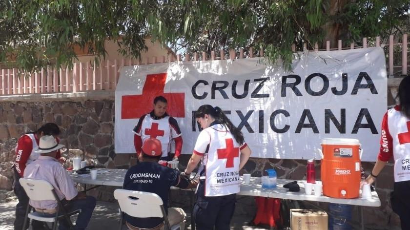 Anticipándose a la llegada de la canícula, los socorristas y paramédicos de la Cruz Roja iniciaron ayer una campaña preventiva en Guaymas.(Yesicka Ojeda)