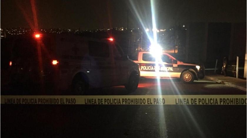 Un cadáver calcinado sobre una carretilla fue encontrado ayer por la noche en el libramiento Rosas Magallón.(Margarito Martínez)