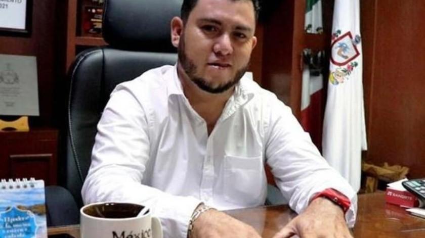 Salvador Bueno Arceo no niega la discusión, pero indicó que fue como 'se suele dar en cualquier pareja'.(Twitter)