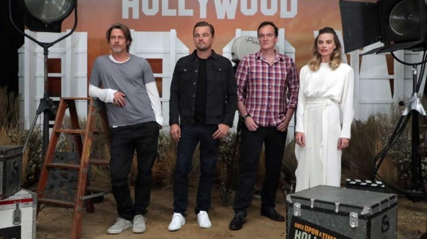 Brad Pitt, Leonardo DiCaprio, Quentin Tarantino y Margot Robbie durante la presentación de la cinta en Los Ángeles, California(EFE)