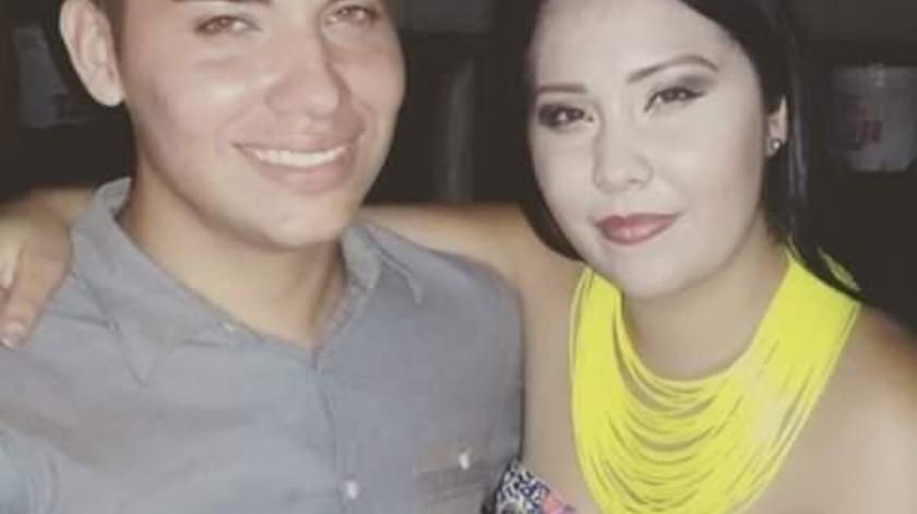 Frank Rivera y Leslie Rivera, quien hará hoy una jornada de cortes de cabello en beneficio de su hermano.(Banco Digital)