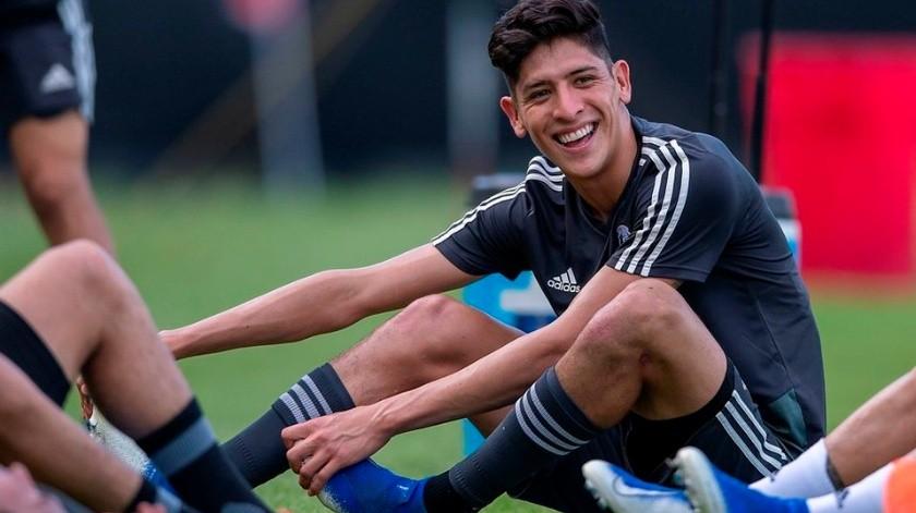 Ajax ofrece 17 millones de dólares al América por Edson Álvarez.(Twitter)