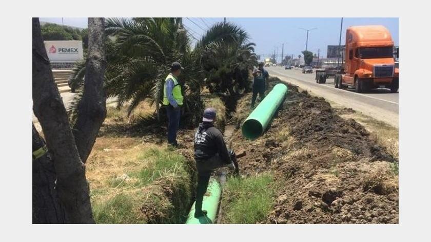 La Comisión Estatal de Servicios Públicos de Ensenada (Cespe), da a conocer que realiza trabajos de reparación en el colector de aguas residuales y tubería que se encuentra ubicado en el kilómetro 104 de la carretera Ensenada-Tijuana.(Cortesía)