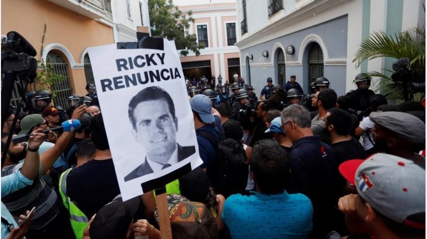 Cientos de puertorriqueños se manifestaron previo a los sucesos para pedir la dimisión de Rosselló y los incidentes se registraron al final de la protesta y a lo largo de más de tres horas.(EFE)