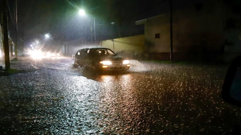 La lluvia del pasado fin de semana provocó algunos estragos en la ciudad; algunos de ellos aún se solventaban ayer lunes.(Banco Digital)