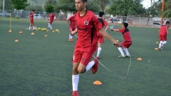 Iván Zamora intentará consolidarse en el once titular.