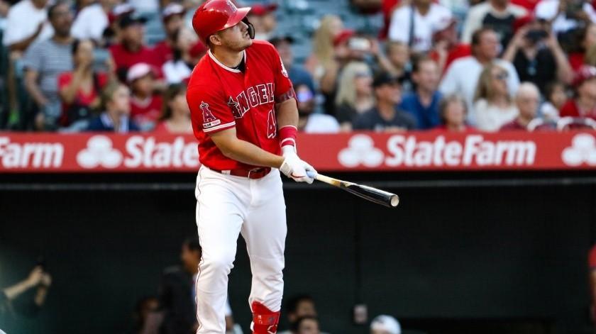 Equipos de MLB agregarían publicidad a sus uniformes.(Twitter/@MLB)