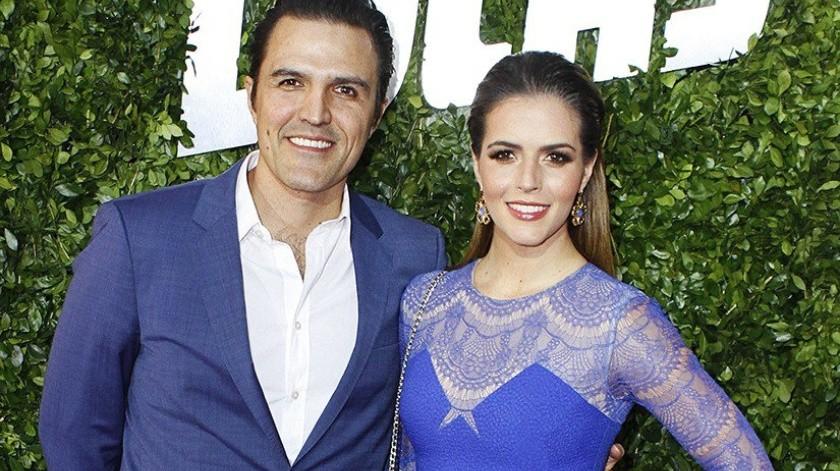 """Con un """"¡Estamos embarazados!"""", el productor de cine y televisión Billy Rovzar y la actriz Claudia Álvarez, muestran su felicidad a todos sus seguidores en redes sociales, al anunciar la espera tan deseada de su primer un hijo.(Tomada de la red)"""