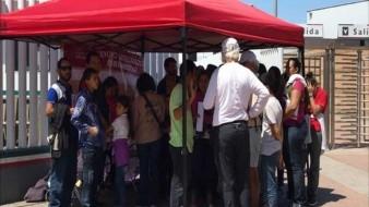 Los centroamericanos, entre ellos algunos menores de edad, fueron deportados ayer por la garita de El Chaparral.