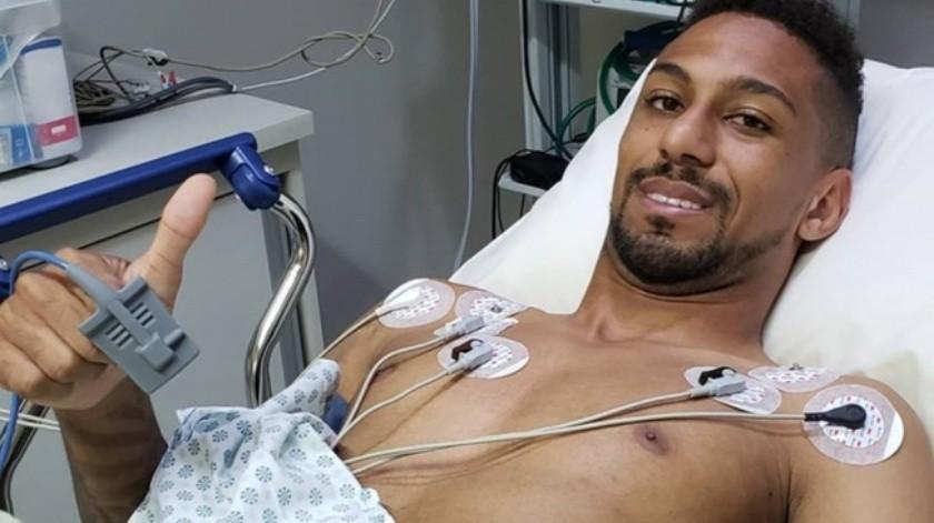 VIDEO: Doble infarto ataca a futbolista en entrenamiento(Twitter)