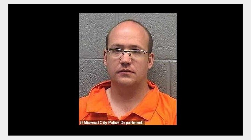 Policía de Midwest City arrestó a Joshua David Kabatra, de 37 años.(Midwest City Police Department)