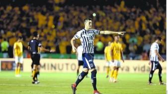 César Montes viene de coronarse en la Copa Oro.