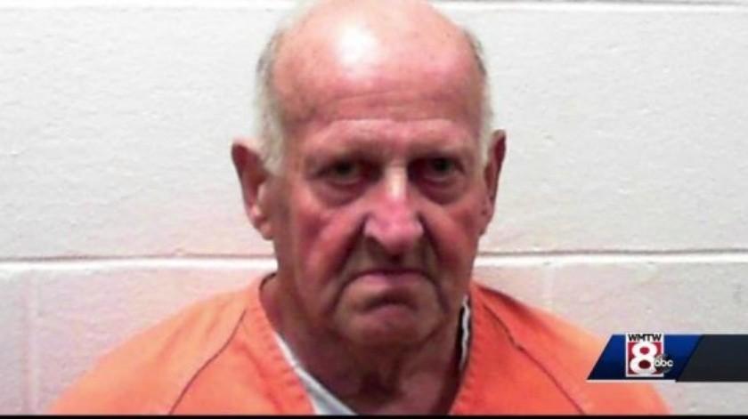 La primera vez que lo liberaron, Flick agredió a una mujer en 2010, por lo que regresó a la cárcel.(AP)