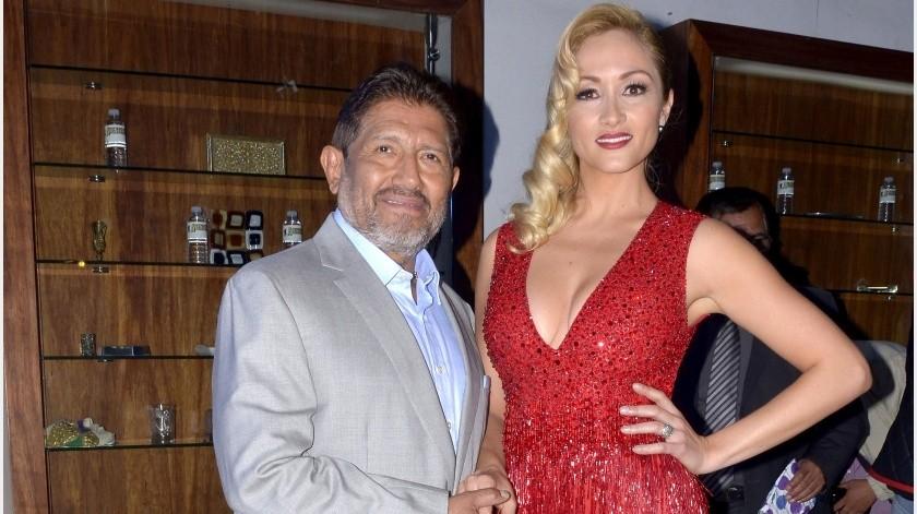 """A casi una semana del robo con violencia que vivió Juan Osorio en su domicilio, Niurka reveló que el productor se encontraba acompañado por Laura Vignatti, quien desde hace tiempo ha sido señalada como la actual pareja del actor""""."""