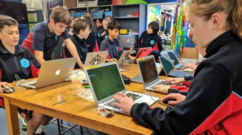 Millones de estudiantes estudian con videojuegos(Twitter - Minecraft Education)