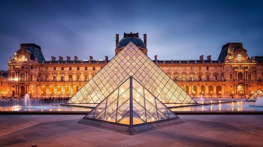 El museo parisino recibe más de diez millones de visitantes al año.(Tomada de la red)