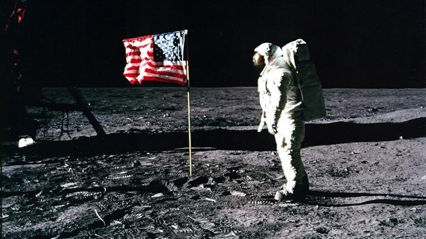 """Trump les dijo el viernes, """"estamos devolviendo el glamour"""" al programa espacial.(EFE, EPA/NASA)"""