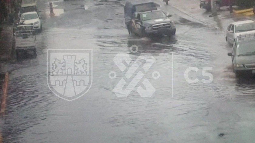 A través de redes sociales, el Centro de Comando, Control, Cómputo, Comunicaciones y Contacto Ciudadano de la Ciudad de México (C5) informó que se registra lluvia ligera al Norte, Sur y Poniente de CDMX.